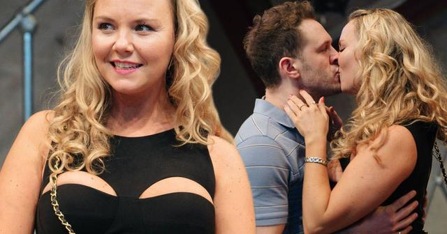 actress Charlie Brooks 24 years in the altogether image home