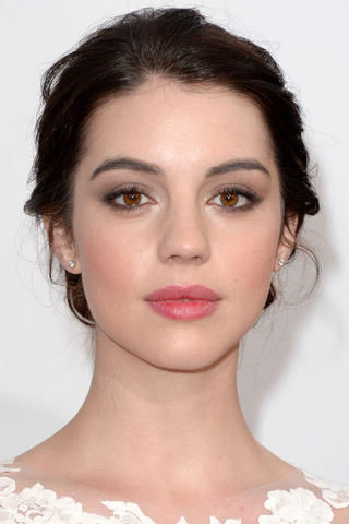 celebritie Adelaide Kane 19 years Without swimming suit image beach