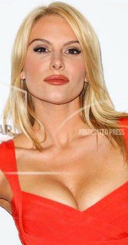 actress Amanda Petersen 19 years crude image in public