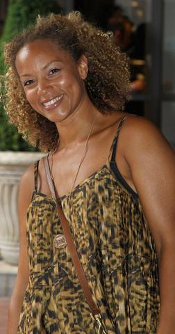 actress Angela Griffin 24 years exposed art in the club
