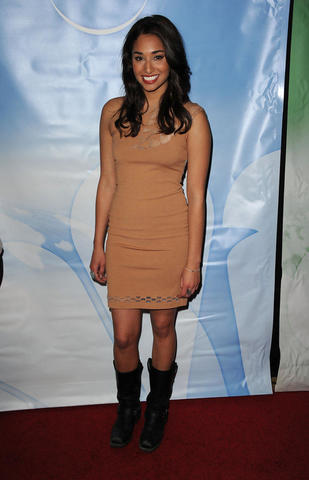 celebritie Meaghan Rath 2015 unsheathed art home