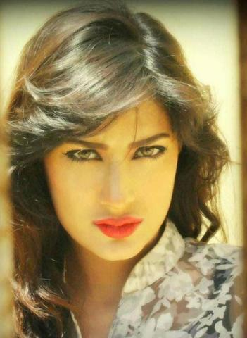 models Mehwish Hayat 21 years in one's birthday suit picture in the club