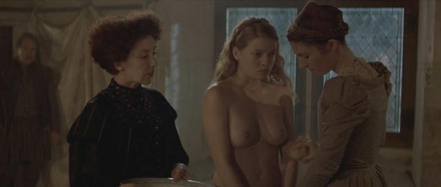 Mélanie Thierry topless picture