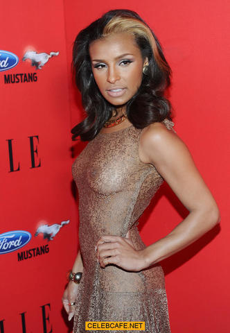 celebritie Melody Thornton 20 years amative pics in public