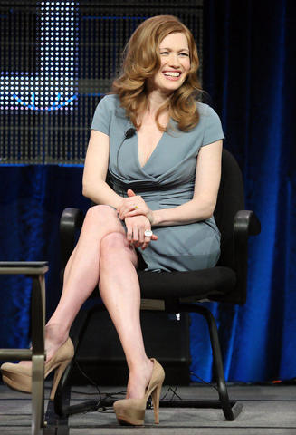 celebritie Mireille Enos 20 years buck naked snapshot home