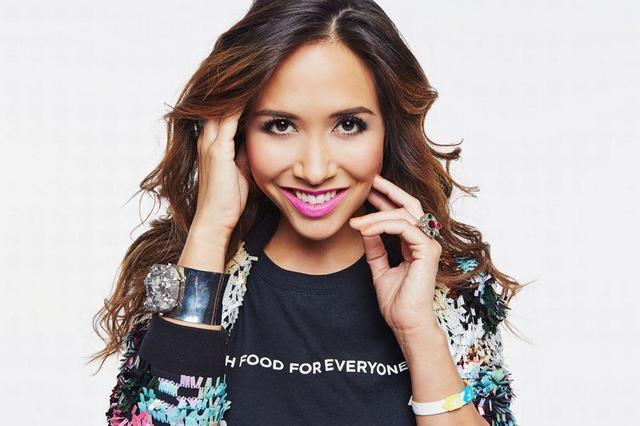 models Myleene Klass 20 years amatory foto in public