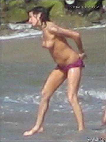 models Amy Winehouse 24 years stolen photo beach
