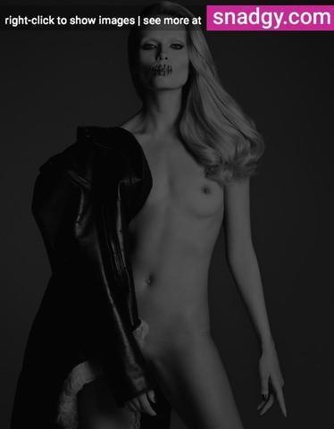 Naked Natasha Poly photography