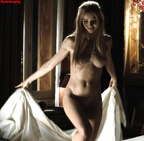celebritie Natasha Yarovenko 19 years indecent photos home