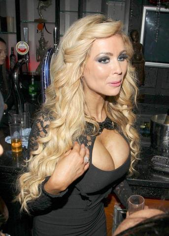 models Nicola McLean 23 years disclosed image in public