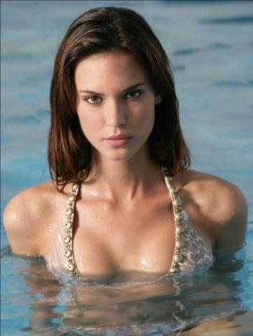 models Odette Annable 18 years overt image home