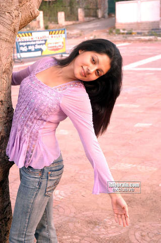 models Payel Sarkar 22 years naked photo in the club