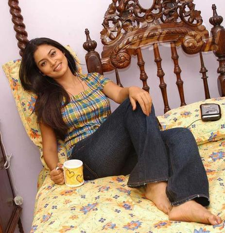 actress Pooja Umashankar 20 years in the altogether art home