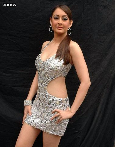 actress Preeti Jhangiani 20 years erogenous snapshot in the club