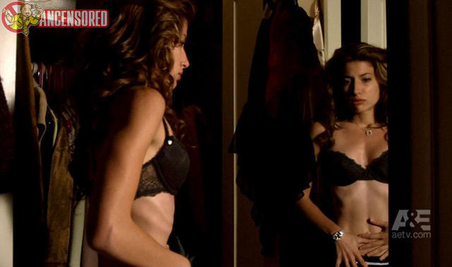 celebritie Tania Raymonde 2015 carnal photoshoot in public