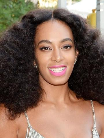 actress Solange Knowles 18 years indecent photoshoot in public