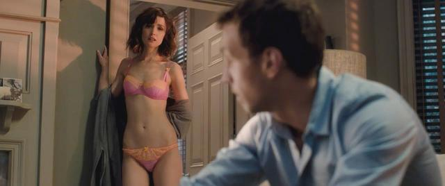 actress Rose Byrne young in one's birthday suit photo home