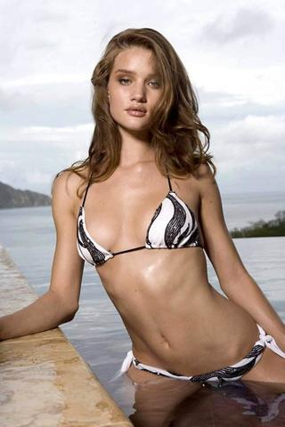 celebritie Rosie Huntington-Whiteley 18 years raunchy photo home