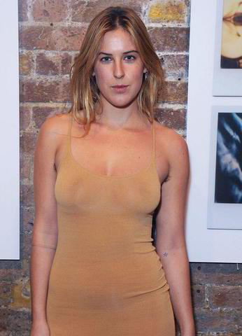 actress Scout LaRue Willis 23 years fleshly snapshot beach