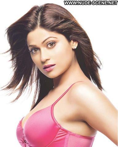 celebritie Shamita Shetty 20 years lascivious art home