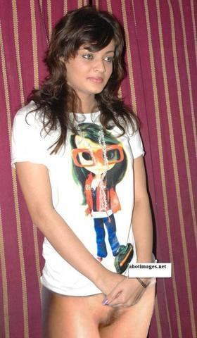 celebritie Sneha Ullal 22 years k-naked photography home