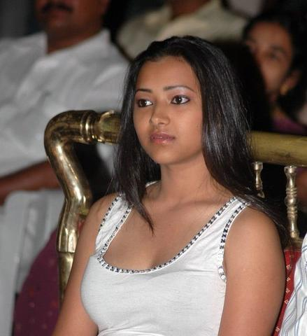celebritie Shweta Prasad 22 years denuded photo home