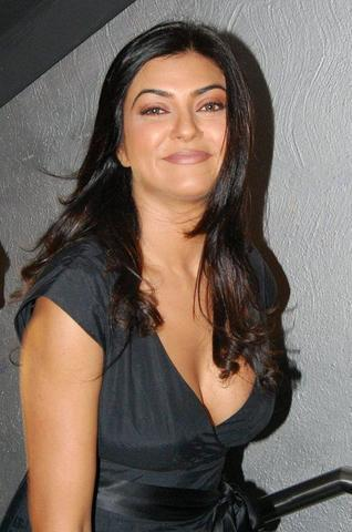 celebritie Sushmita Sen 25 years nudity image home