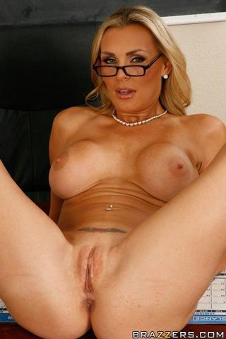 celebritie Tanya Tate 23 years provoking snapshot in the club