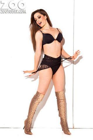models Tina Barrett 25 years prurient pics in the club