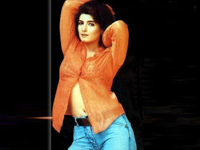 actress Rinke Khanna 20 years the nude picture beach