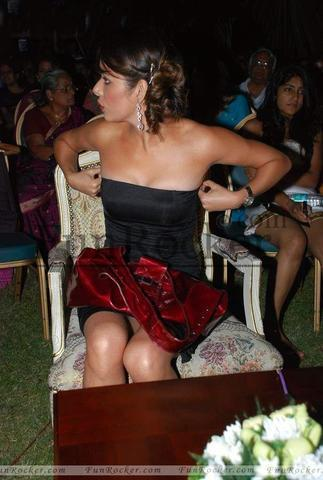 celebritie Udita Goswami 19 years in the altogether snapshot in the club