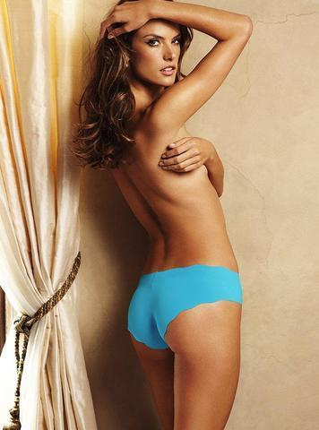 celebritie Alessandra Ambrosio 21 years fervid photos home