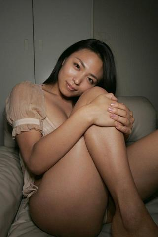 models Yukie Kawamura 21 years titties photoshoot in the club