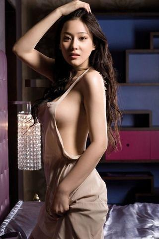 celebritie Michelle Yi young buck naked photoshoot home