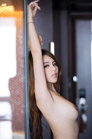 celebritie Wei Zhao young tits photoshoot home