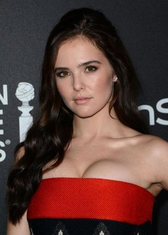 actress Zoey Deutch 2015 nude young foto photos home
