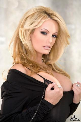 Sexy Stormy Daniels pics High Quality