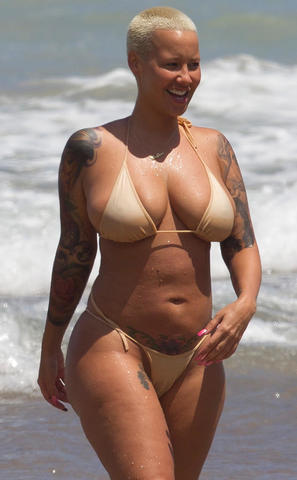 Amber Rose topless foto
