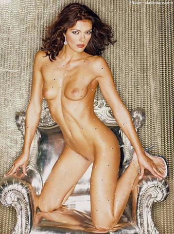 Naked Adrianne Curry snapshot