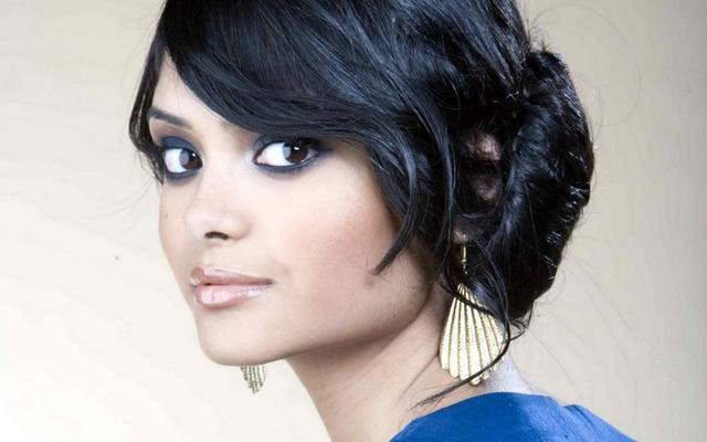 models Afshan Azad 22 years carnal image in public