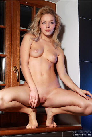 Alissa Jung nude image
