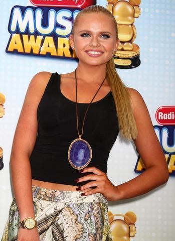 celebritie Alli Simpson 18 years Without panties picture in public