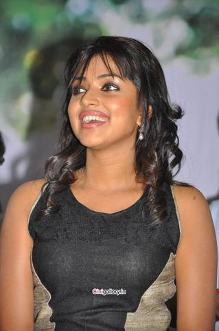 models Amala Paul 19 years nudism picture in public