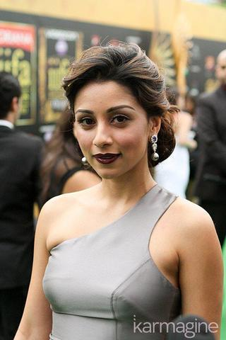 actress Amrita Puri 2015 stripped photos in the club