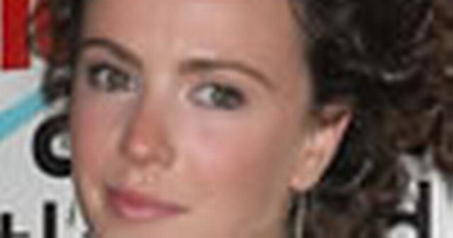 actress Amy Manson 20 years undress image home