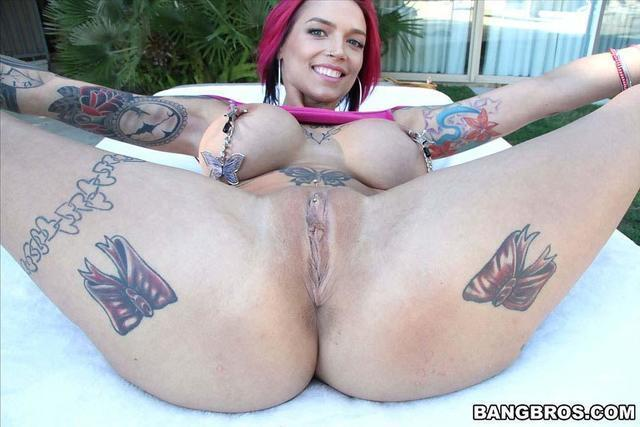 models Anna Bell Peaks 21 years concupiscent pics beach
