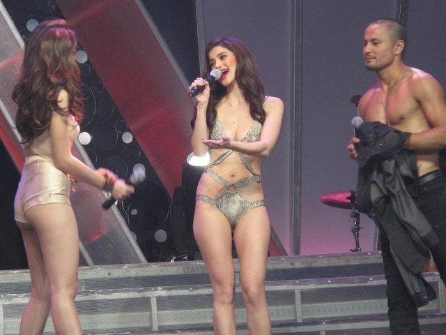 Sexy anne body curtis