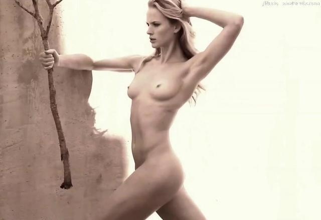Anne Vyalitsyna topless photos