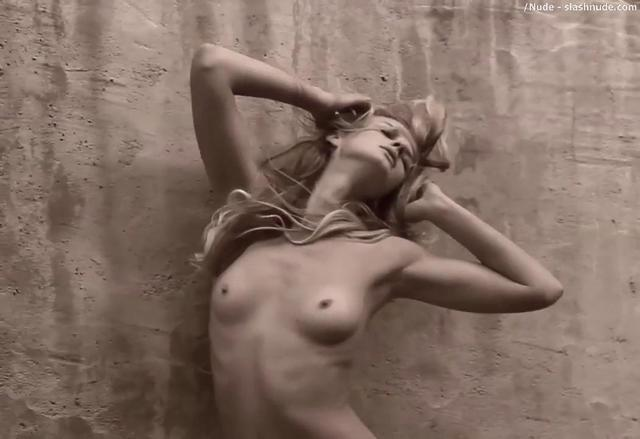 Anne vyalitsyna nude photos