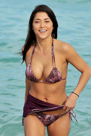 Sexy Kathryn McCormick pics high density